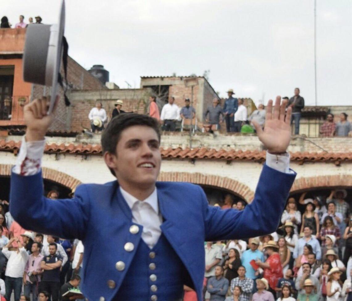 """Eu gosto de templar os touros e dar-lhes a protagonismo que eles têm na luta"", diz Guillermo Hermoso de Mendoza"