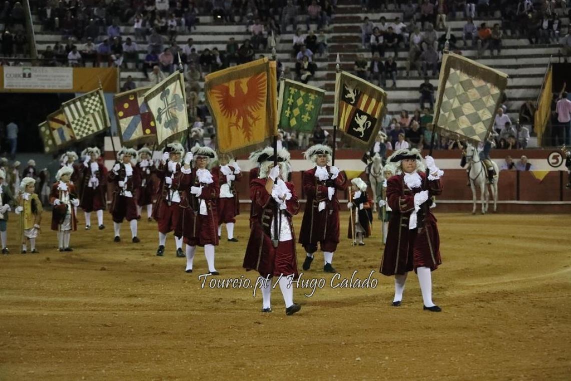 Coruche: Corrida agradável em noite de boa entrada de publico