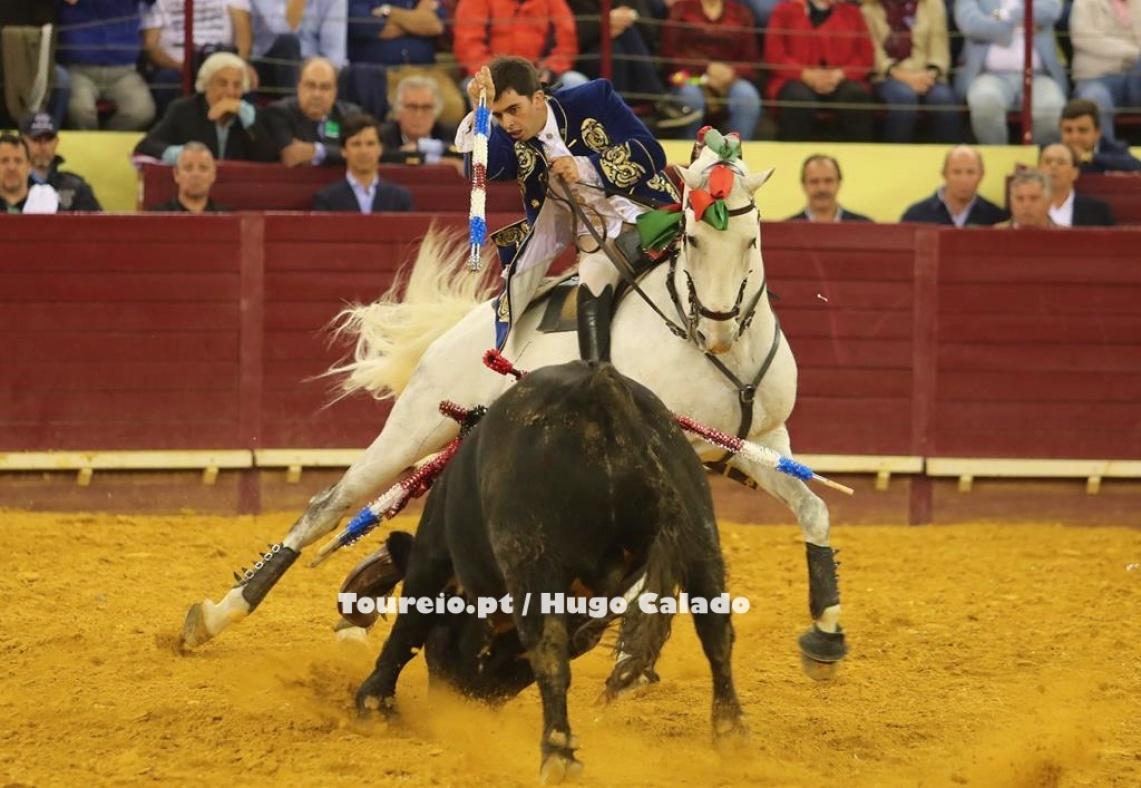 """""""Não fui eu que a inventei, porque no toureio a cavalo se houve alguém que inventou foi o meu Pai"""", diz João Moura Jr sobre as Mourinas (c/som)"""