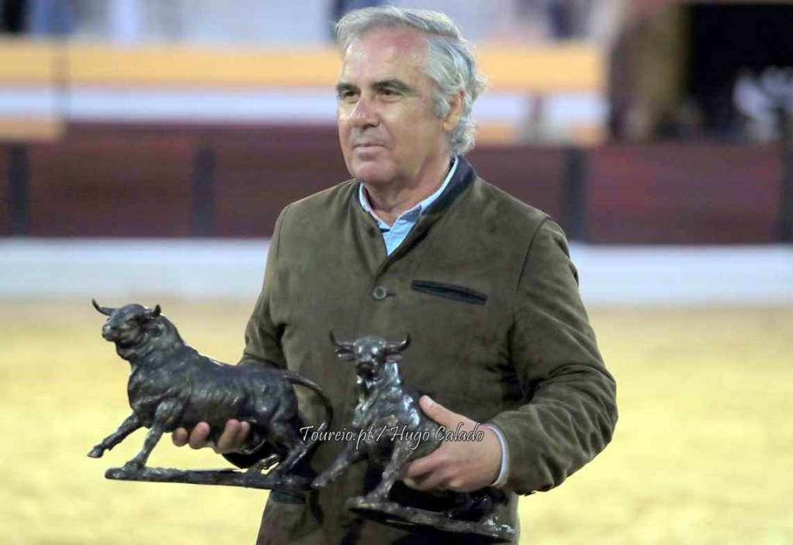 """""""A corrida é um conjunto de emoções e, portanto, se estamos adormecidos não tem interesse"""" diz António Veiga Teixeira ao Toureio.pt (c/som)"""